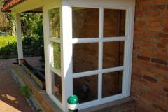 Fenster am Kellerabgang