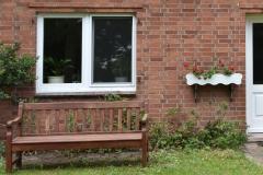 Fenster mit Pfosten und Insektenschutz