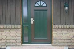 Haustür mit Seitenteil frei geplant