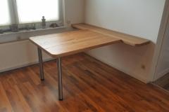 Schreibtisch aus gebürsteter Eiche