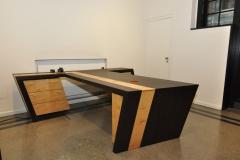 Schreibtisch aus geräucherter Eiche